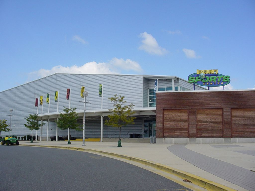 "alt=""Exterior of Discovery Sports Center"""